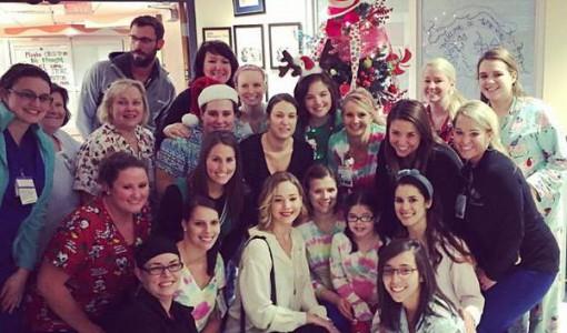 Jennifer-Lawrence-Christmas