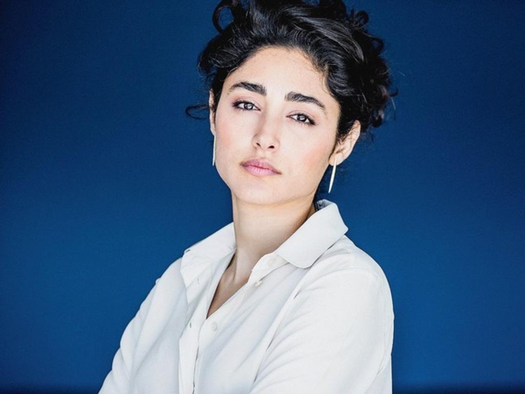 L-actrice-iranienne-Golshifteh-Farahani-fleur-de-combat_article_popin